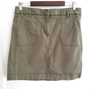 LOFT | 6 army green casual skirt with pockets